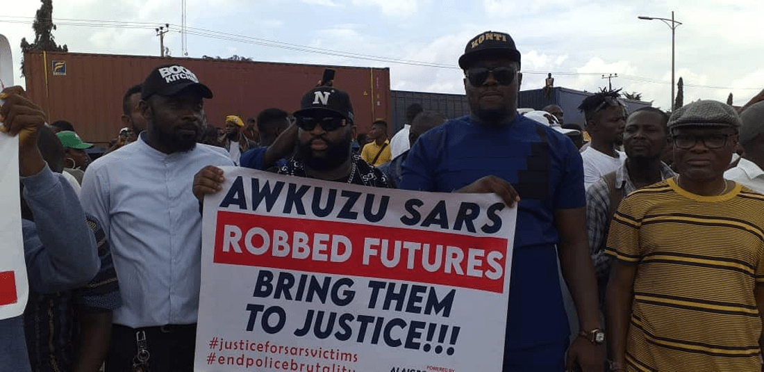Governor-Obiano-Visits-SARS-Offices-In-Anambra-Frees-Detainees-Afrinotes