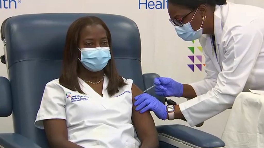 SANDRA LINDSAY Become The First Person To Receive Coronavirus Vaccine