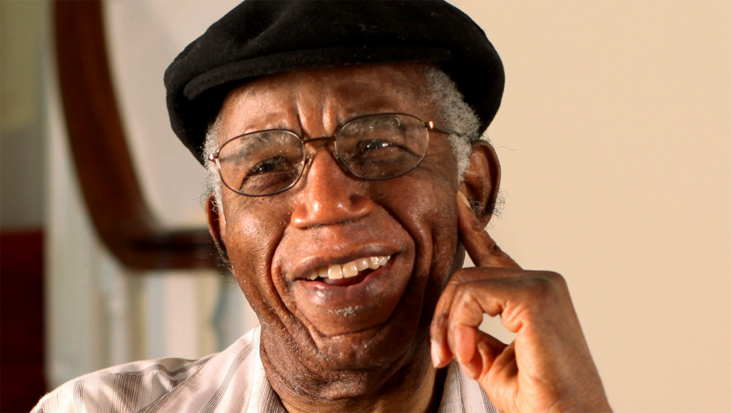 Chinue Achebe, afrinotes