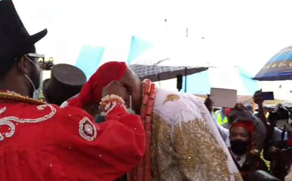 Gov-Wike-Visit-To-Ogoniland-Accorded-The-Highest-Traditional-Honour-2