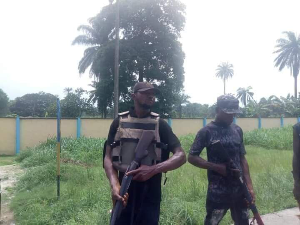 Vigilant-group-now-Guide-Police-Station-In-Nigeria-3