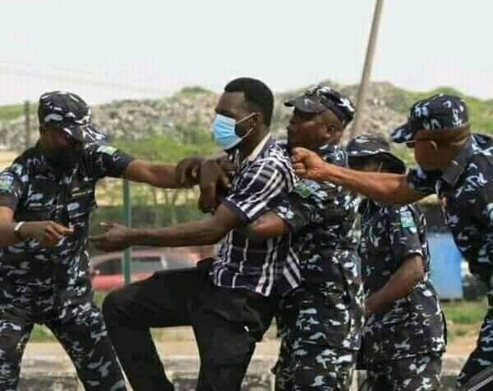How-Canadian-police-treated-June-12-Protesters-VS-Nigeria-Police,-afrinotes