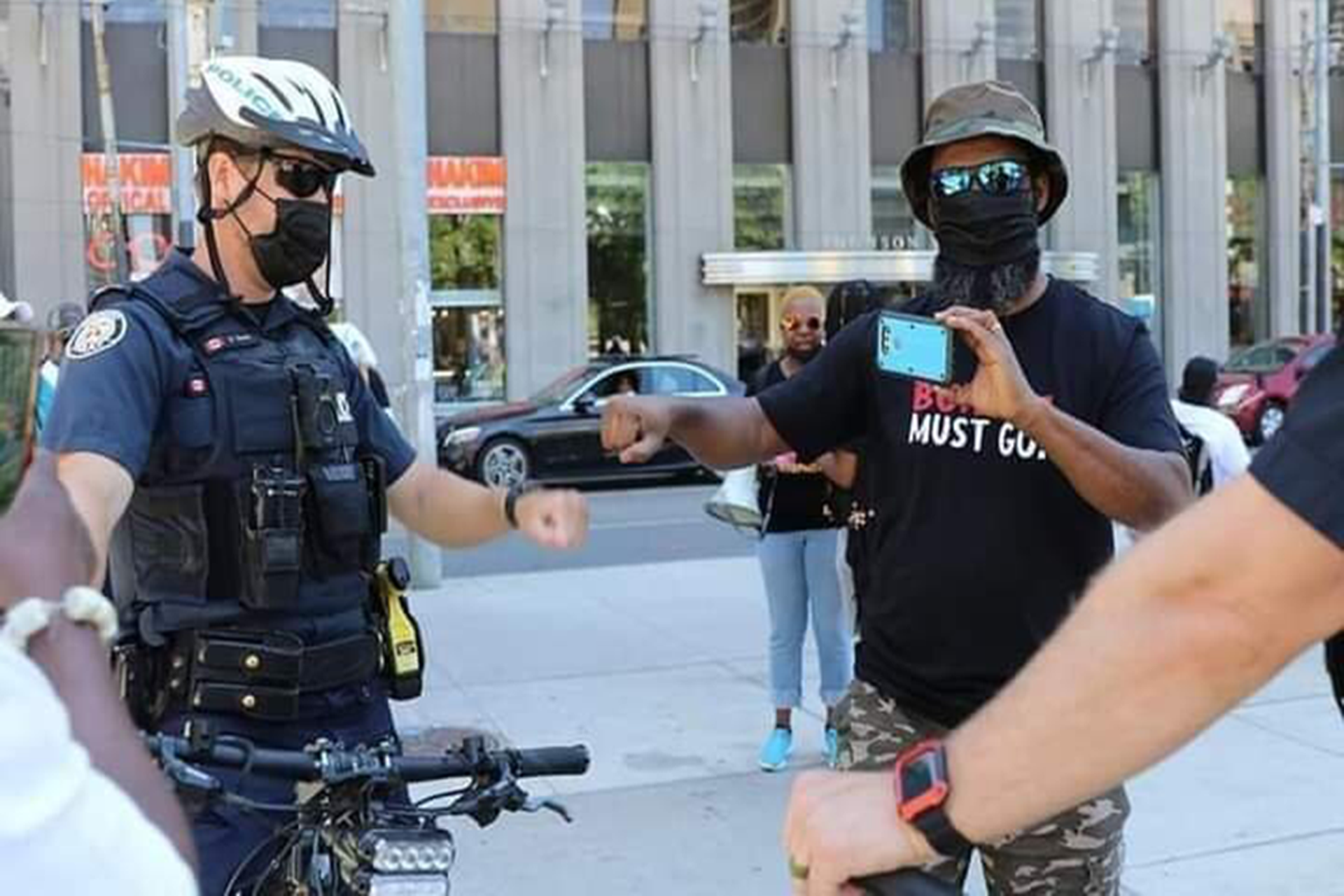 How Canadian police treated June 12 Protesters VS Nigeria Police, featured