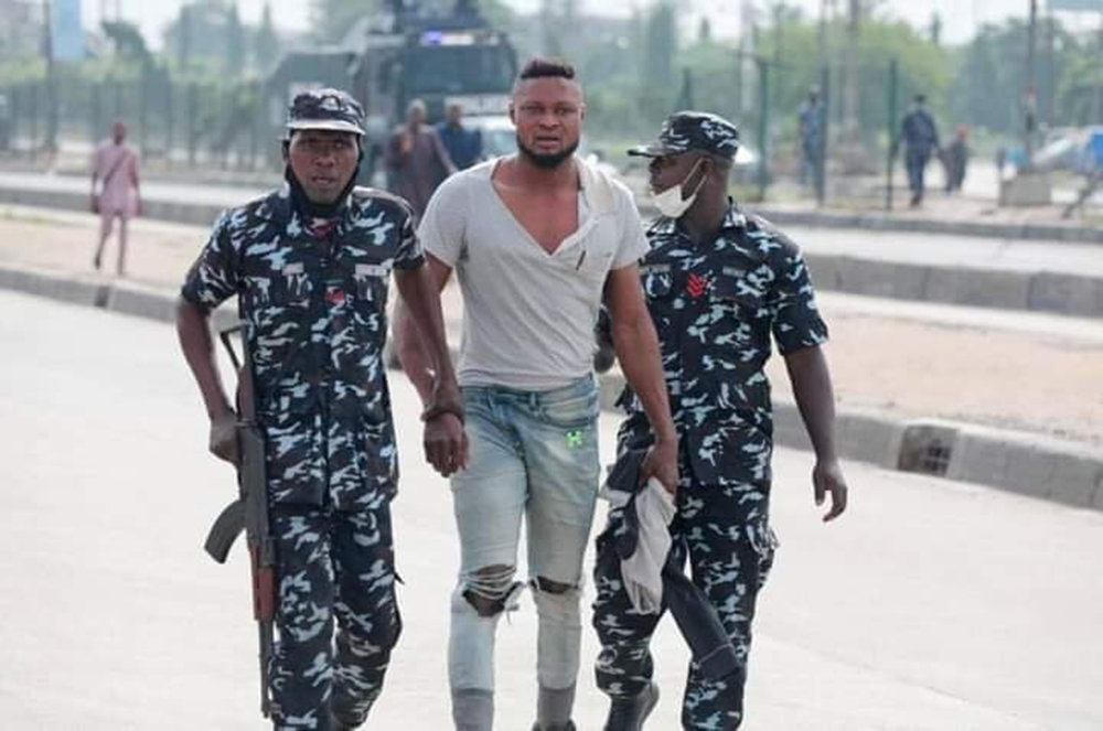 How-Canadian-police-treated-June-12-Protesters-VS-Nigeria-Police