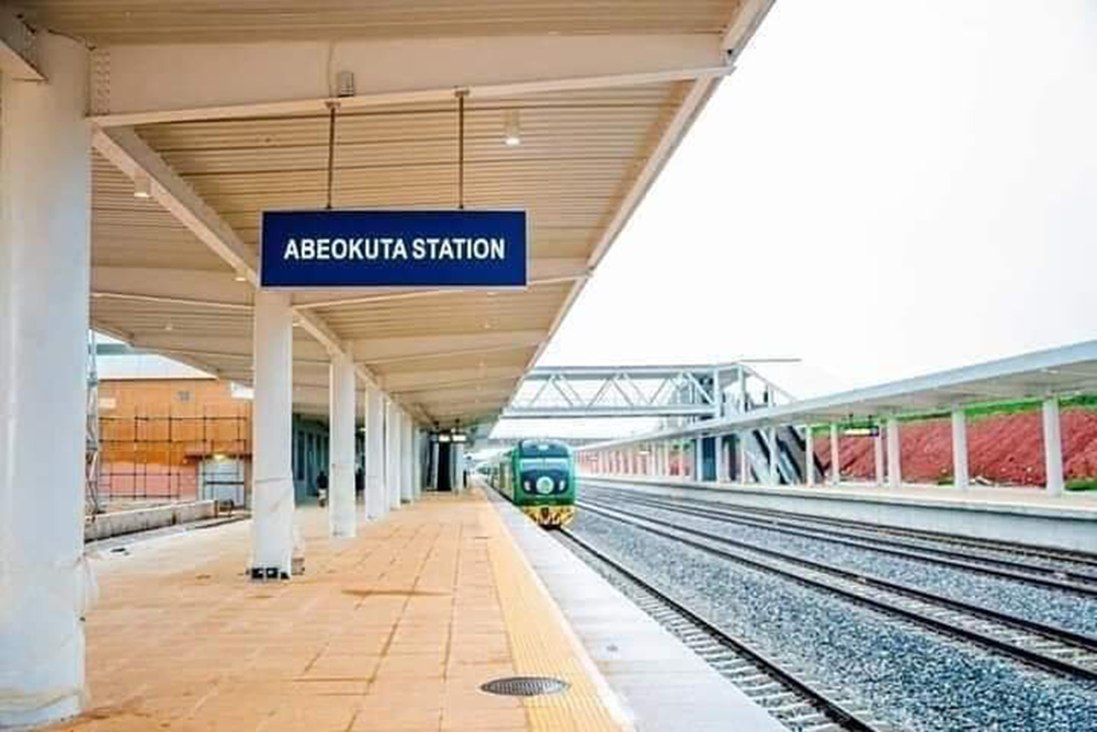 President-Buhari-commissioned-the-Lagos-Ibadan-rail-line-for-commercial-operation,-4