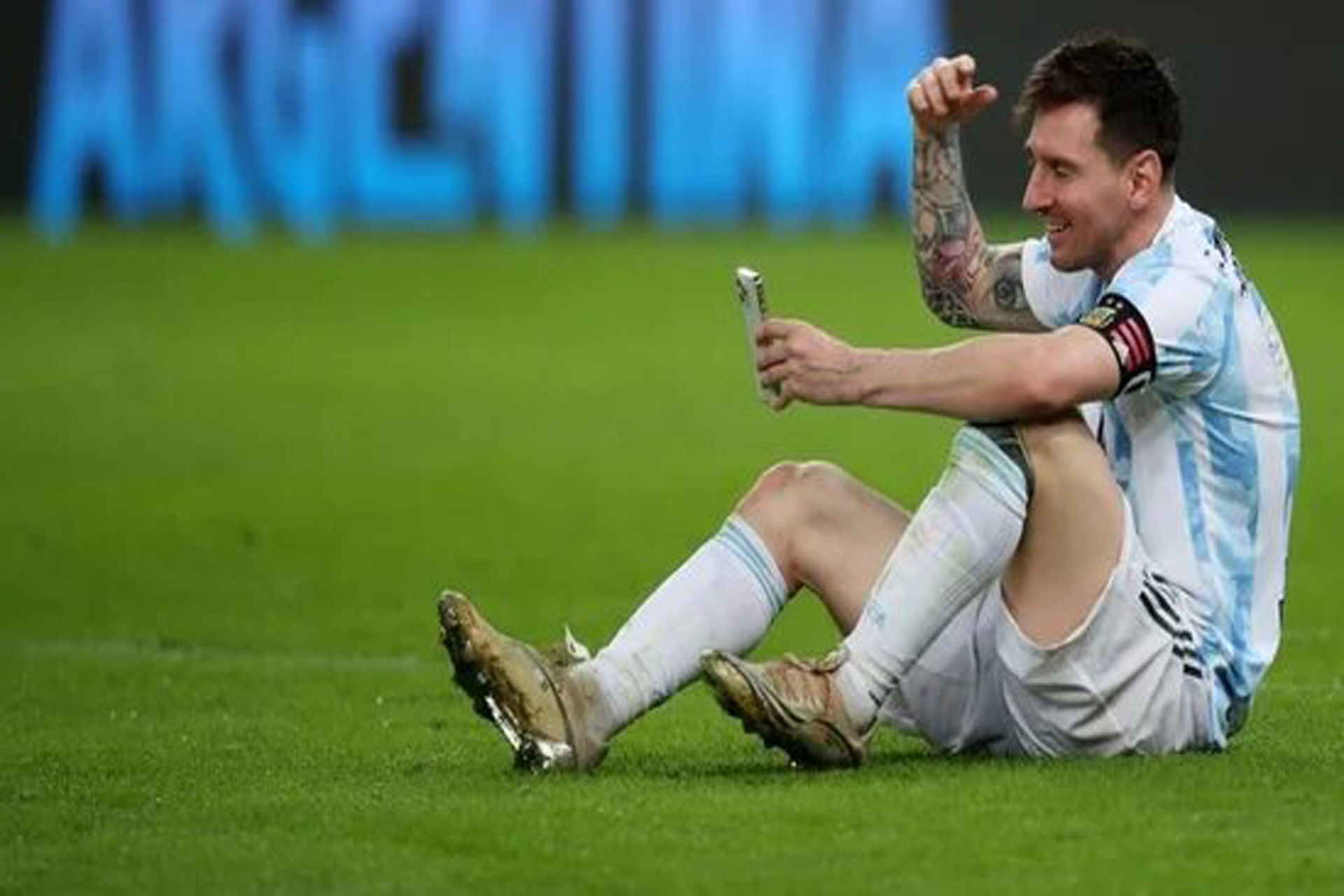 Messi-celebrates-with-wife-on-video-call-after-Argentina-win-COPA-AMERICA