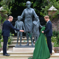 William-and-Harry-unveiled-a-statue-of-their-mother-Diana